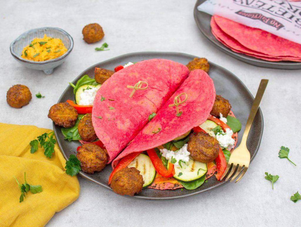 Bieten tortilla met falafel foodlies