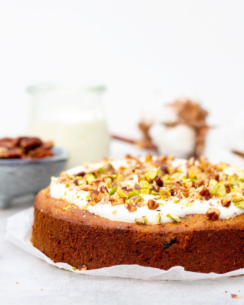 Gezonde-carrot-cake-met-frosting-foodlies-