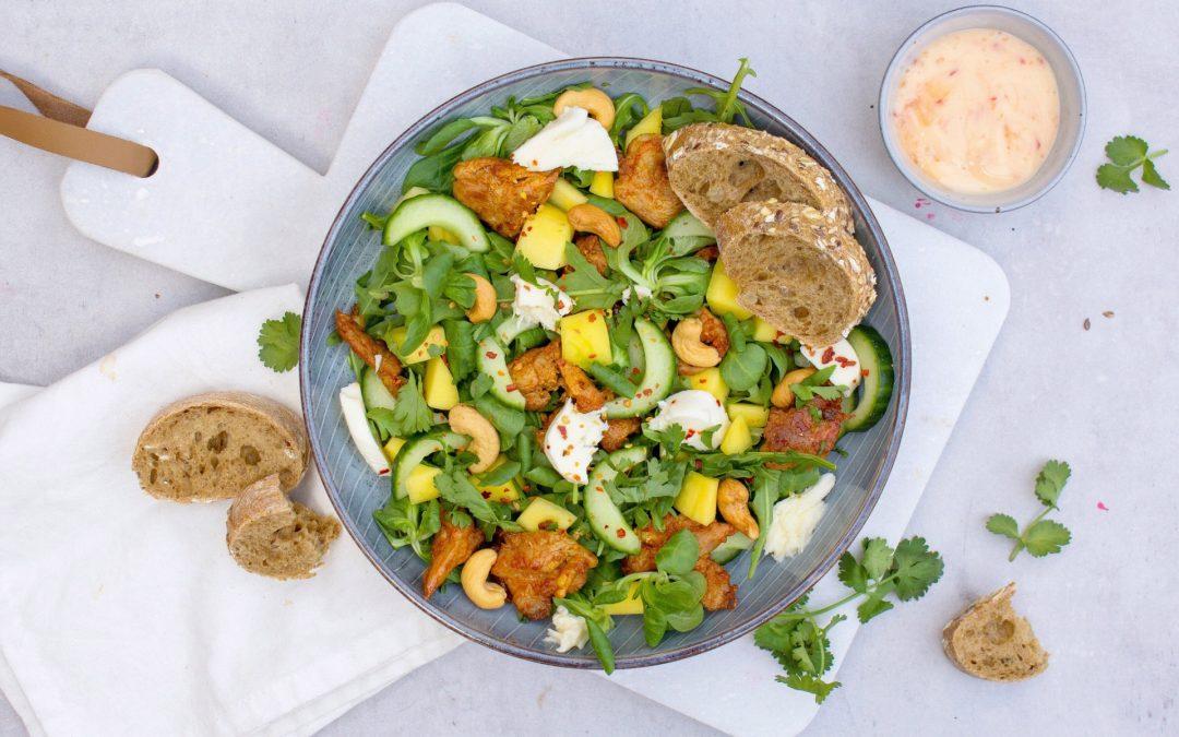 Salade met kip en mango