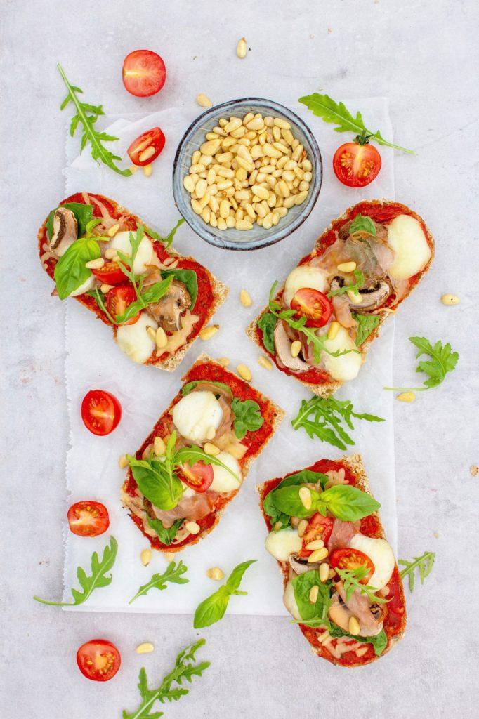 Volkoren-pizza-broodjes-foodlies-1-1