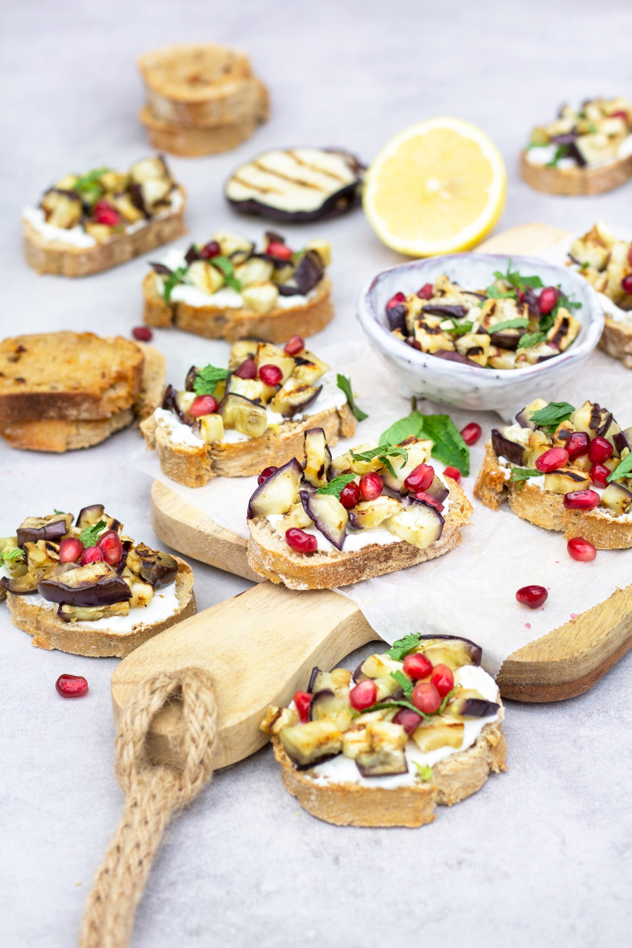 Bruschetta's met aubergine foodlies