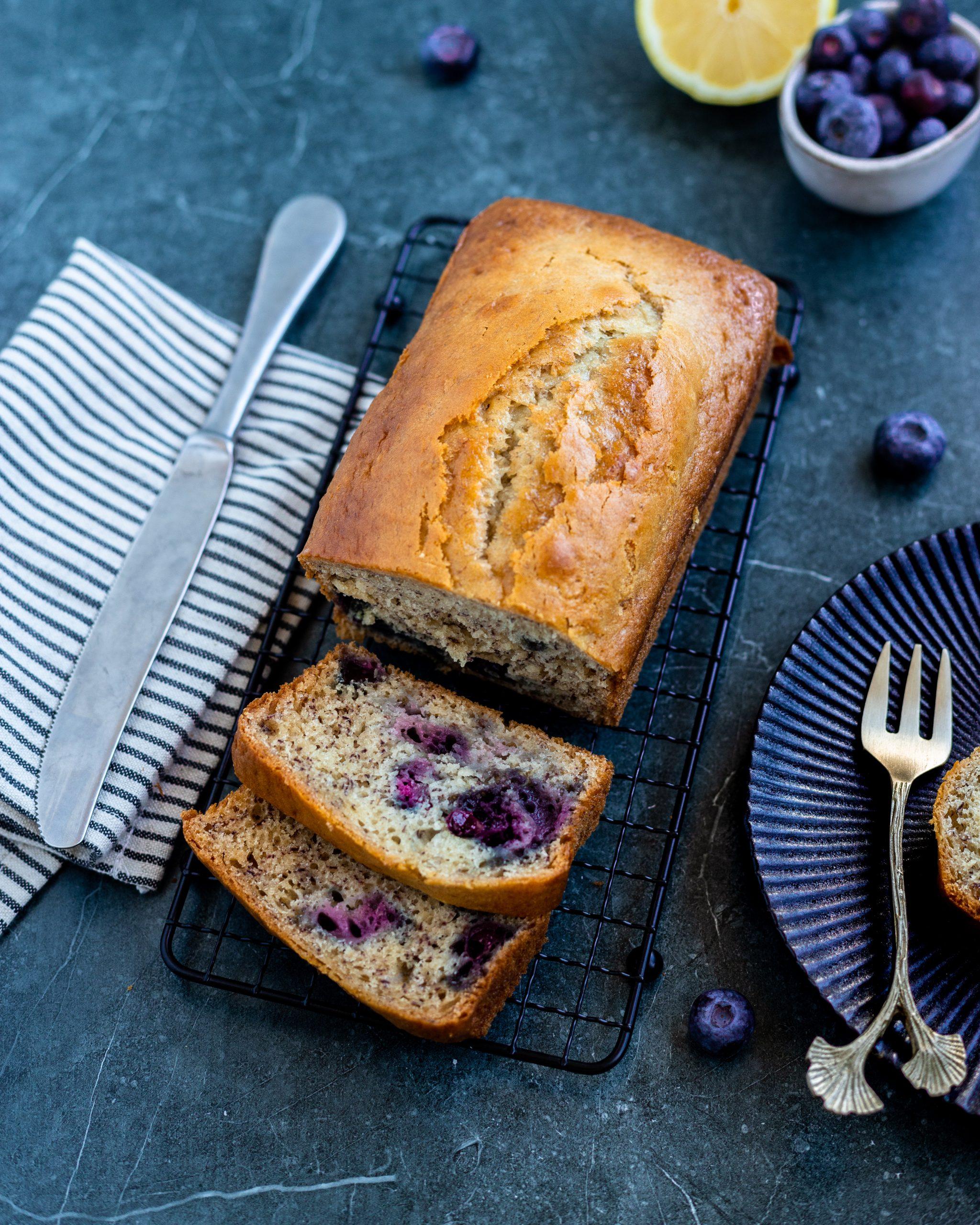 Gezonde cake met blauwe bessen